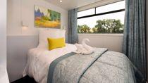 Upper Deck 1 bed single
