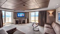 Yacht Club Royal Suite