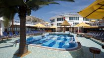 Resort Style Piscina
